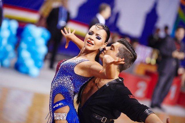 Бальные танцы Девам