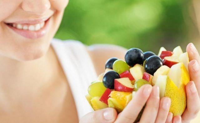 Едим фрукты правильно