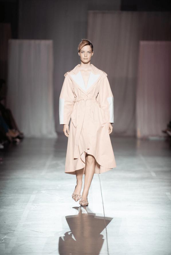Модные плащи осень 2019 7