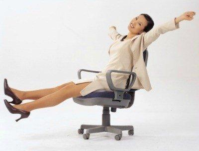 Упражнения для похудения живота сидя на стуле - гимнастика в офисе или дома