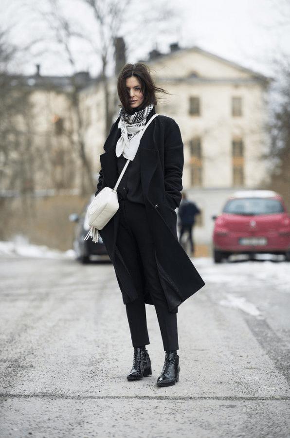 Аксессуары к классическому черному пальто11