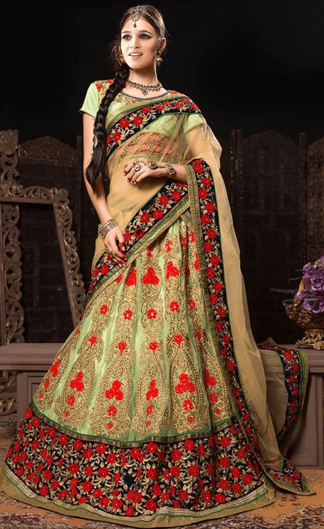 Ксения Бородина в индийском наряде