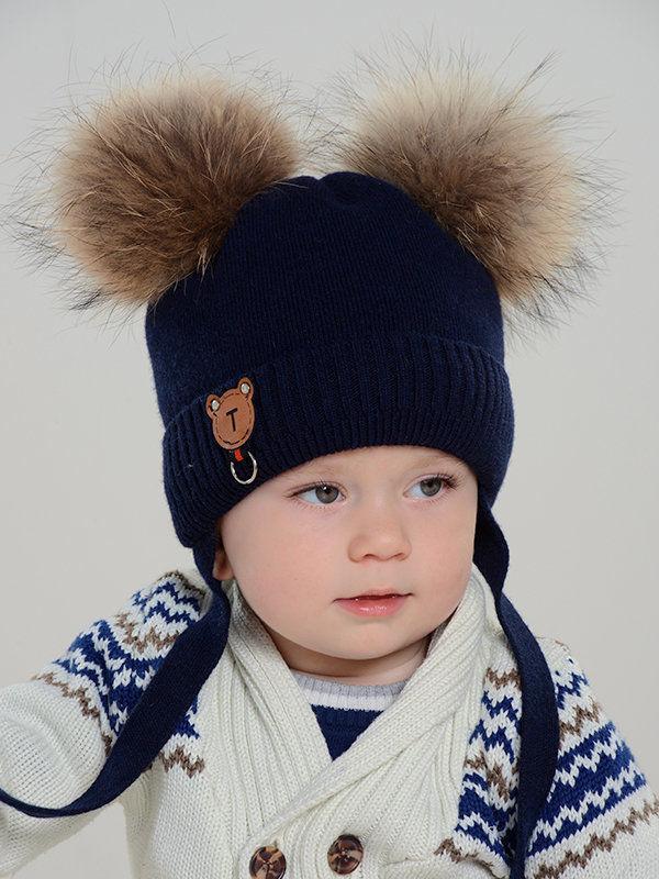Утепленная шапочка с отворотом и завязками