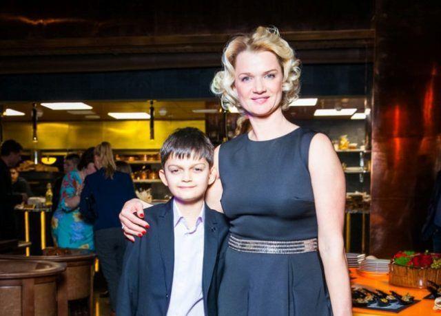 Светлана Хоркина с ребенком