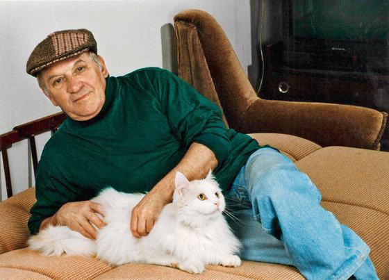 Лев Дуров с кошкой