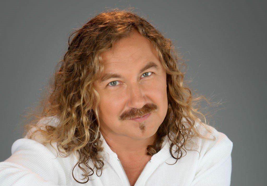 Игорь Николаев