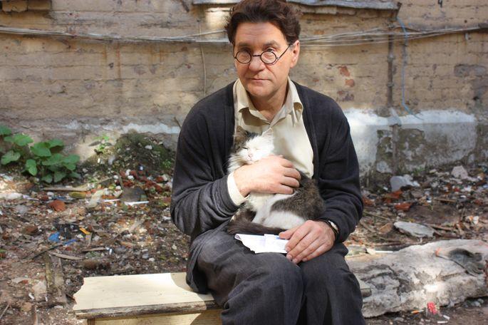 Сергей Маковецкий с кошкой