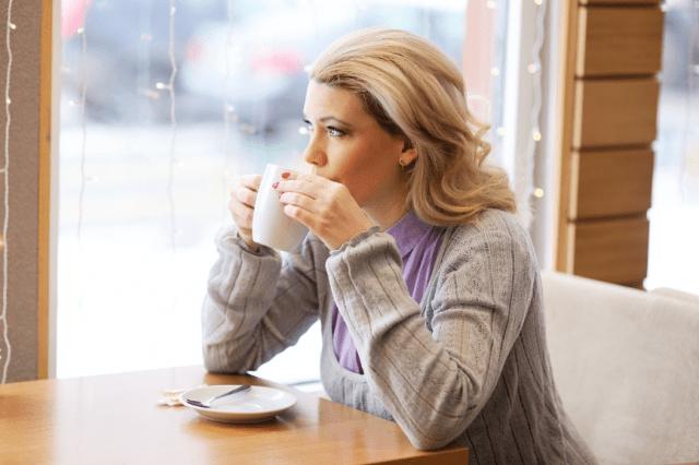 Признаки, которые выделяют разведенных женщин