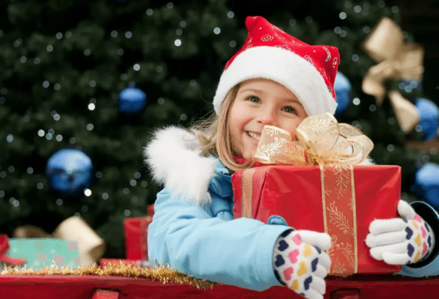 Режим работы школ и садиков на новогодние праздники 2020