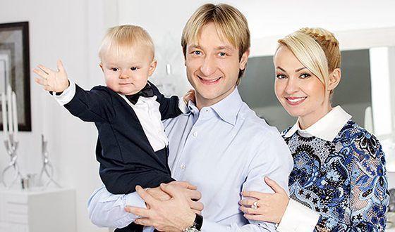 Яна Рудковская с семьей