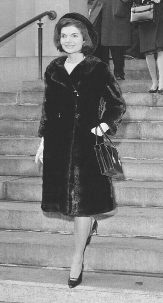 Лучшие образы Жаклин Кеннеди11