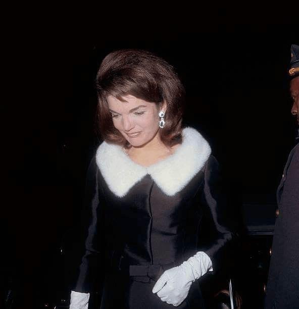 Лучшие образы Жаклин Кеннеди4
