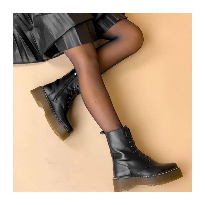 Грубые ботинки с юбкой