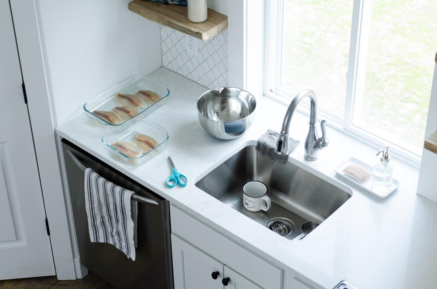 кухонная раковина