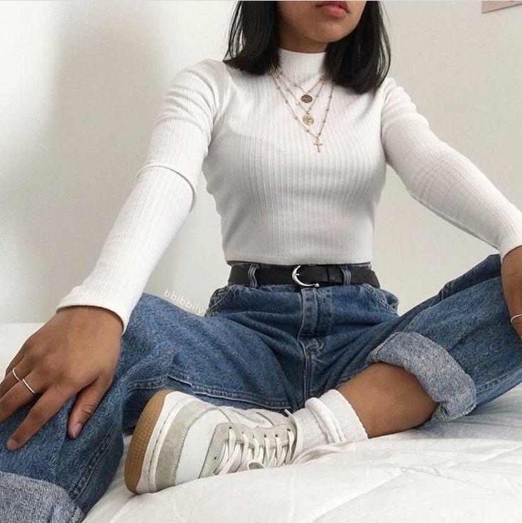 джинсы и водолазка