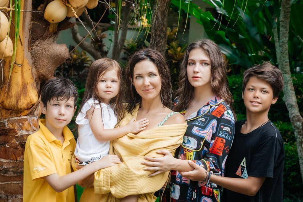 Екатерина Климова рассказала, почему распались три её брака, и что такое любовь для неё сегодня