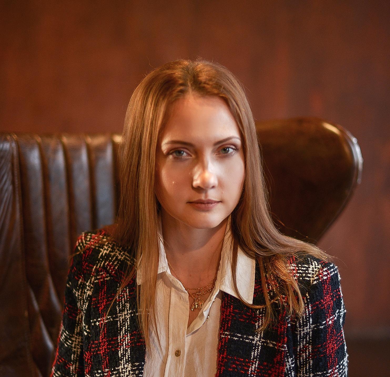 Анна Девятка
