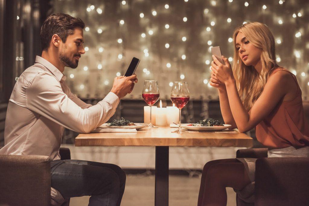 Секреты онлайн-свиданий: правила подготовки и лучшие темы для беседы