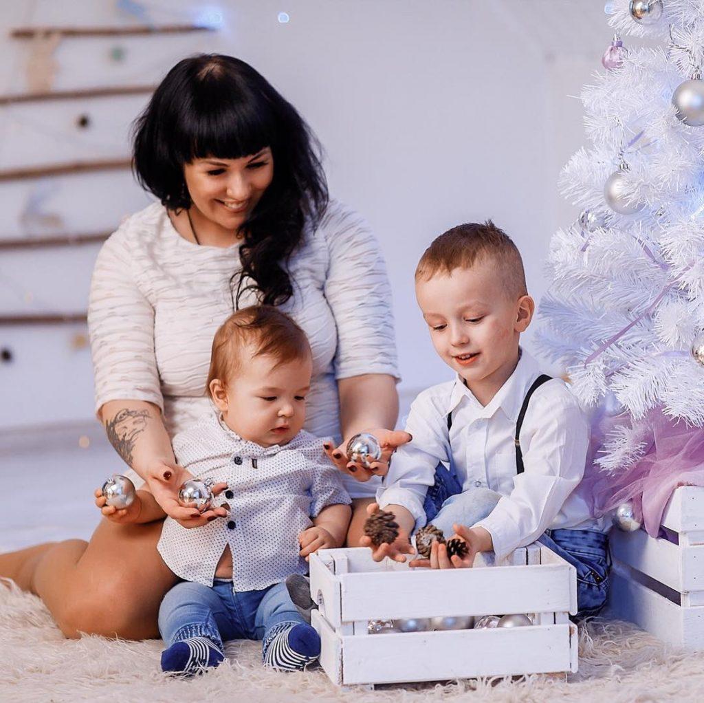 Суррогатная мать Александра Стриженова: свадьба в кедах и фате и скорое пополнение