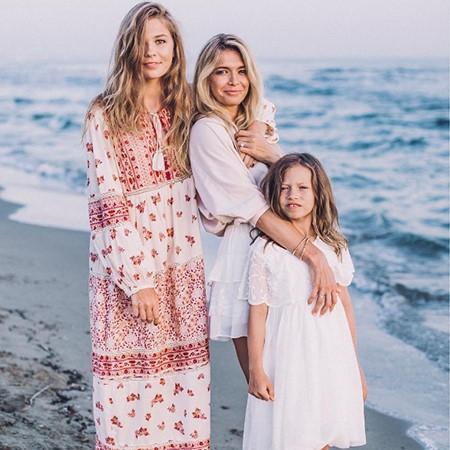 Вера Брежнева и её дочки