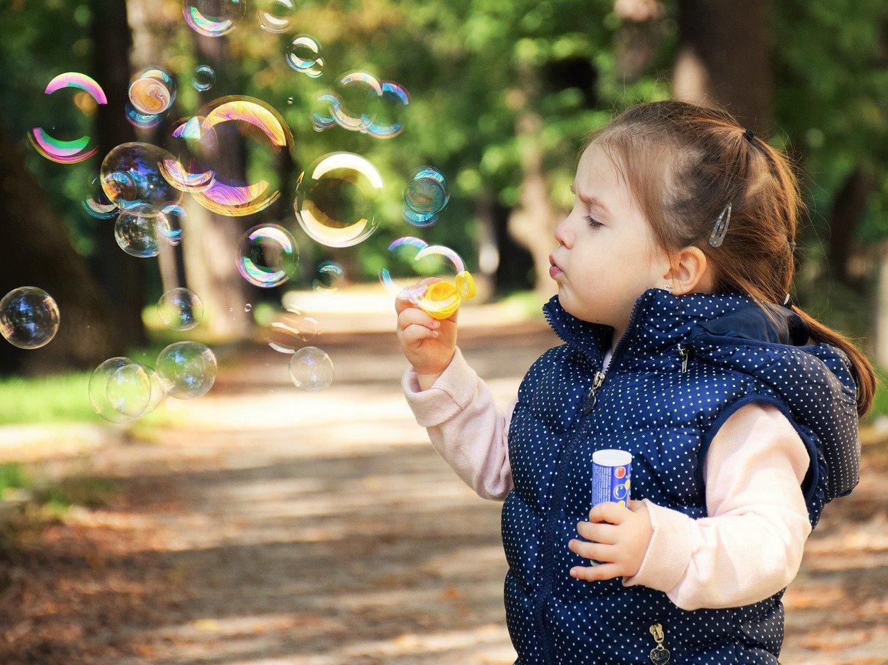 девочка в парке