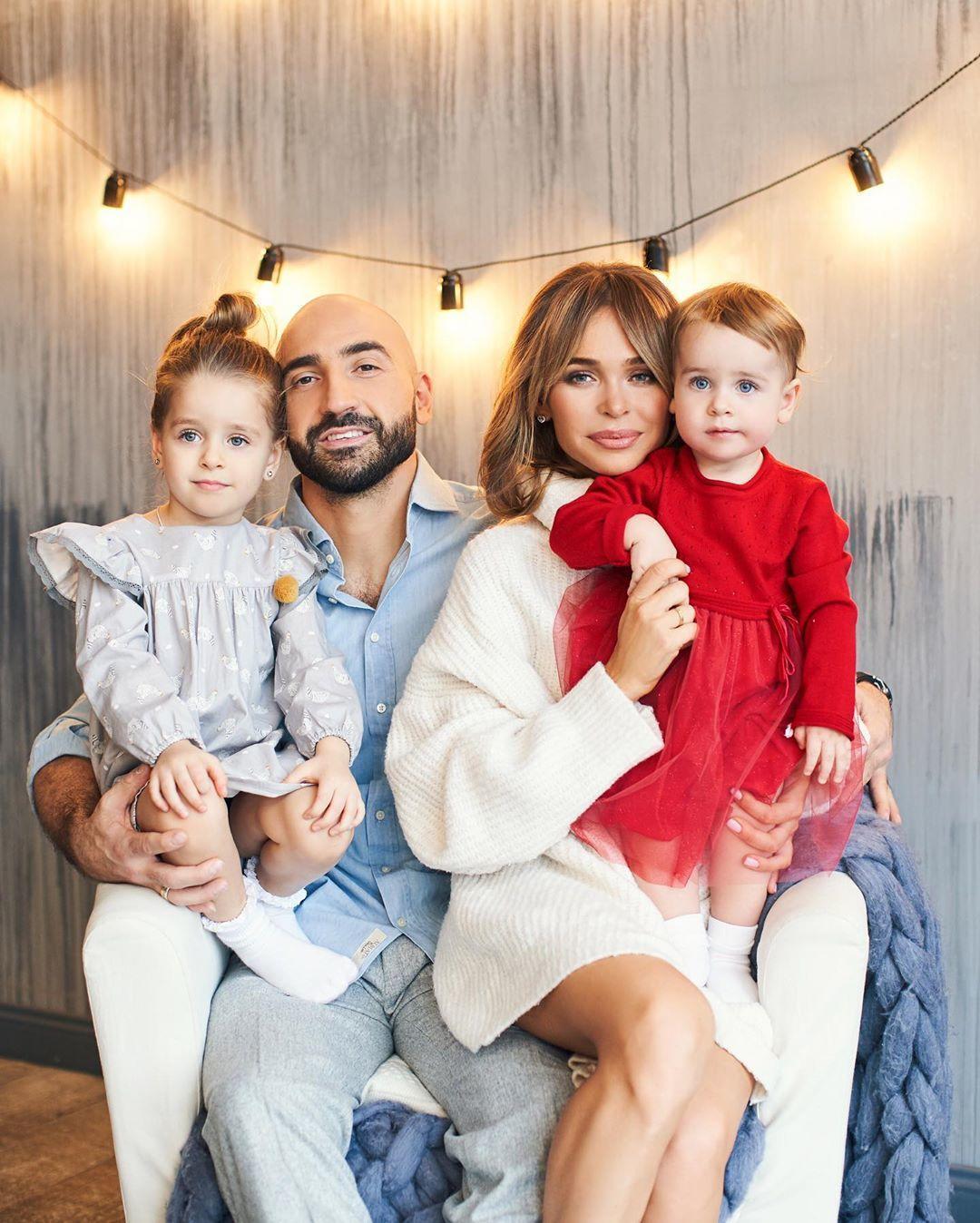 Анна Хилькевич с семьей
