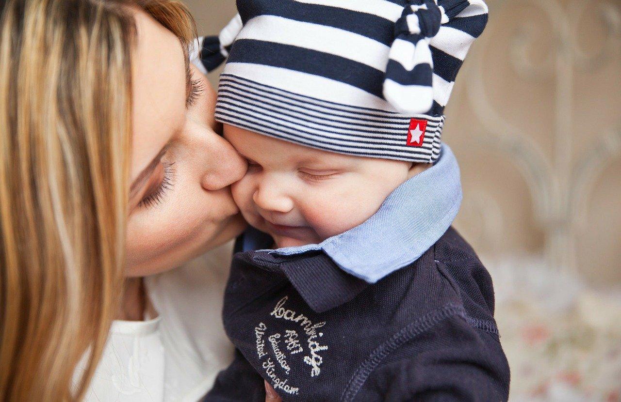 Как меняется жизнь женщины после рождения ребёнка? Откровения психолога и молодой мамы