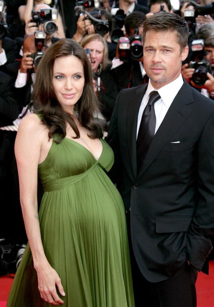 беременная джоли