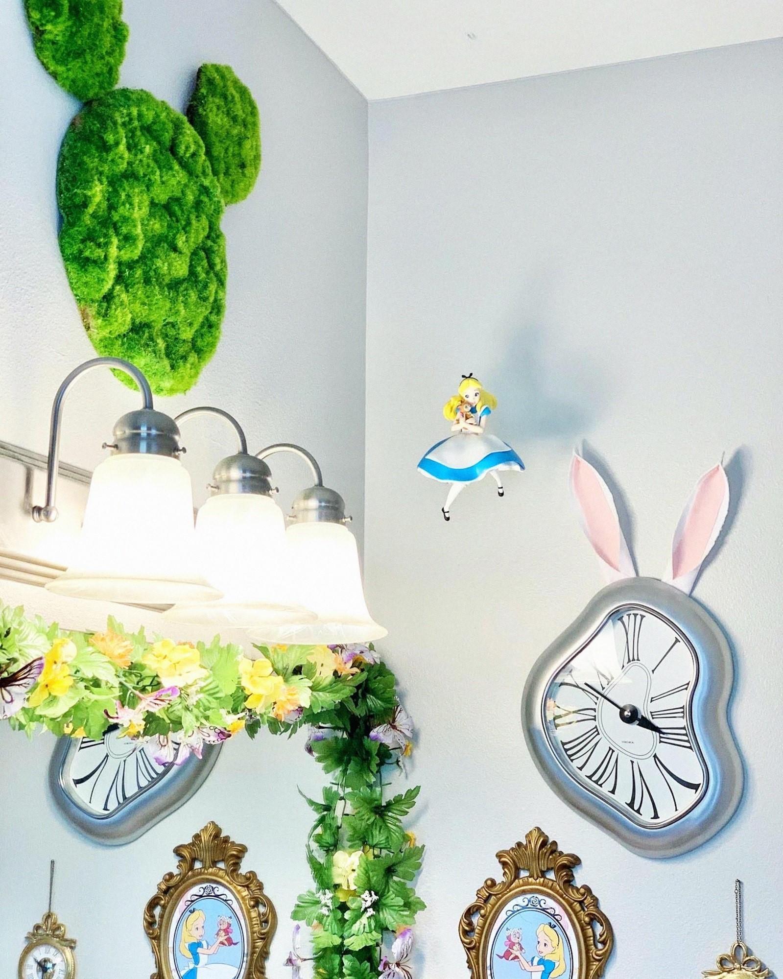 Дизайнер интерьера и мама Келси Хермансон превратила обычный дом в яркую диснеевскую сказку – все в восторге от волшебного домика!