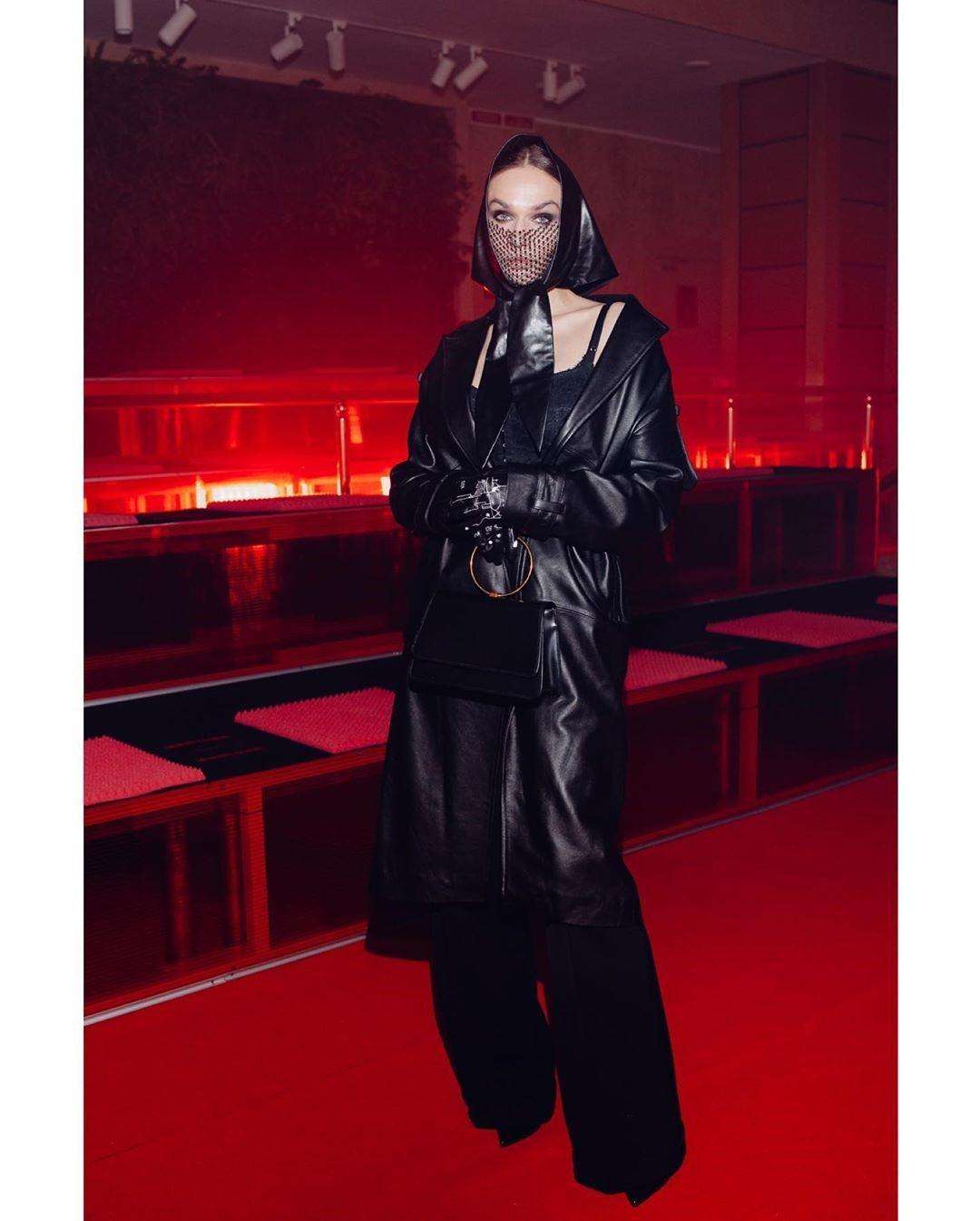 Алёна Водонаева показала стильный кожаный образ и рассказала про полезный лайфхак
