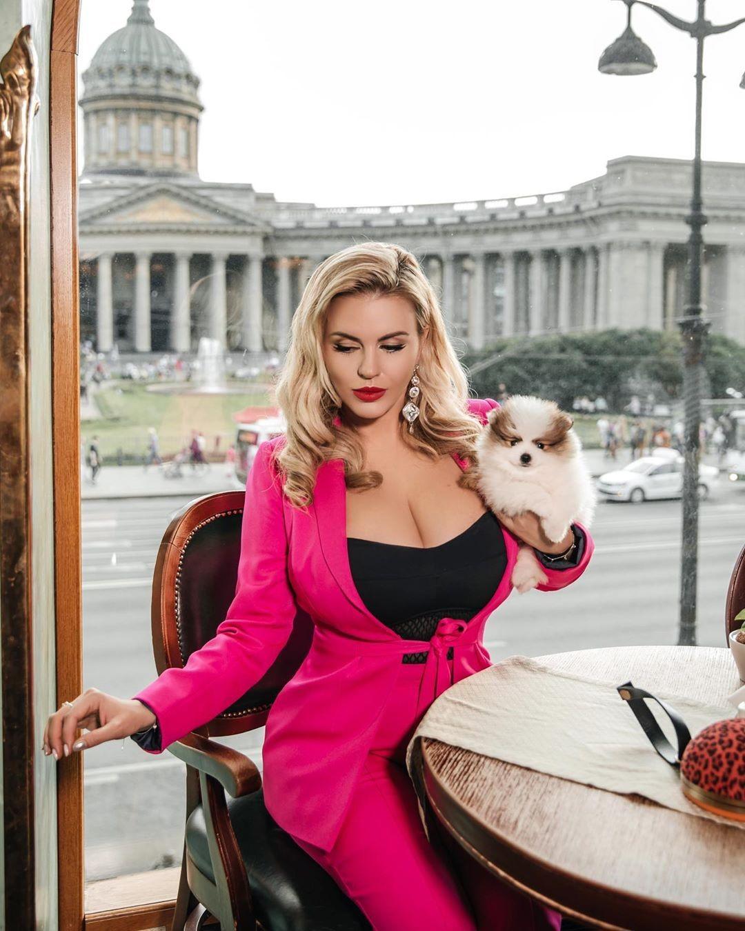 Анна Семенович 3