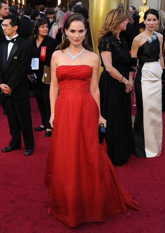 Элегантная Натали Портман: 10 лучших образов «Чёрного лебедя»