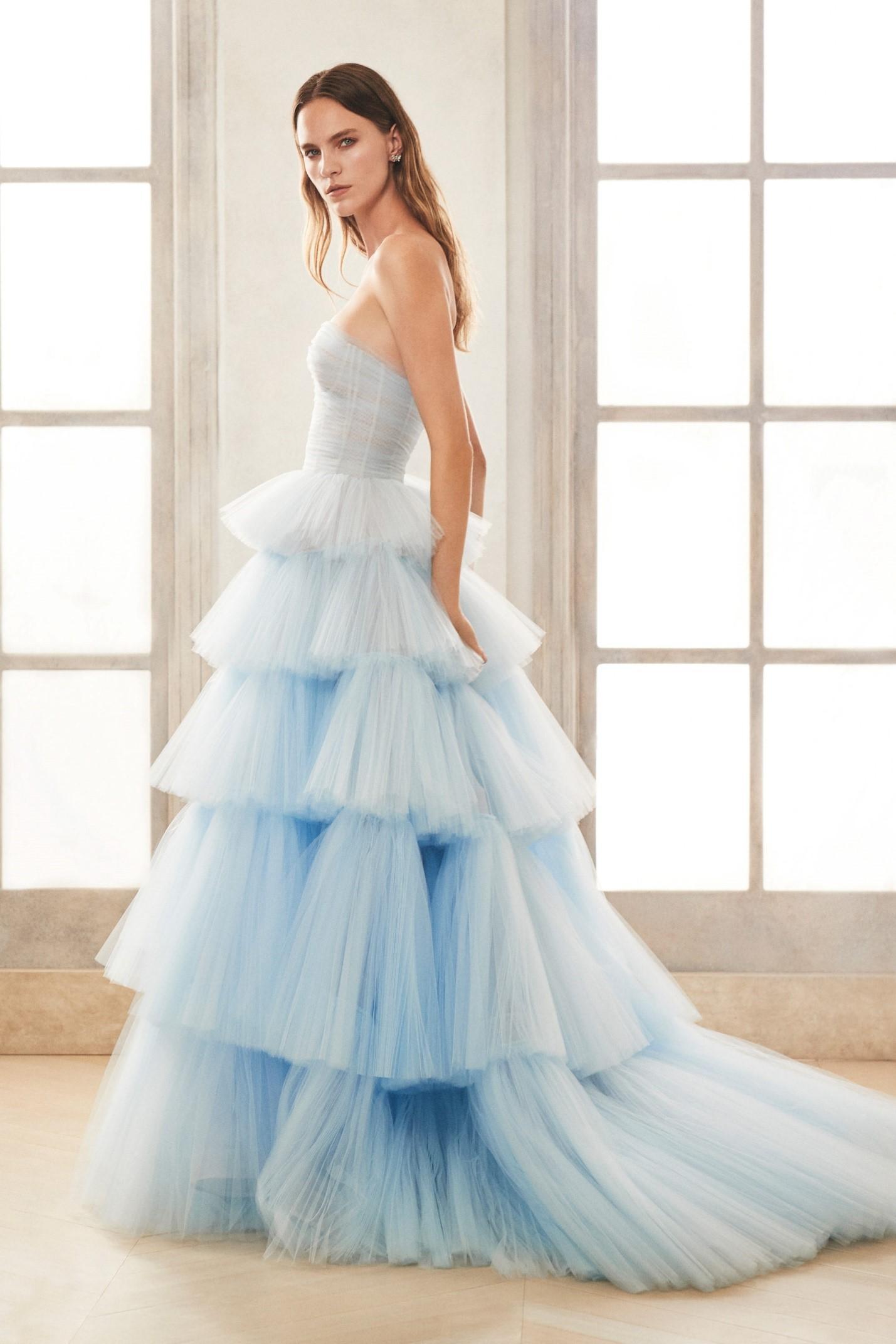 Свадебная мода: в чём выходить замуж в 2021 году