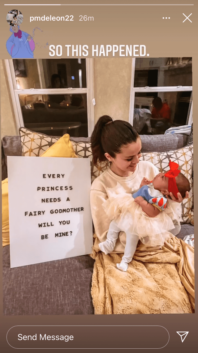 Селена Гомес стала крёстной мамой для маленькой принцессы