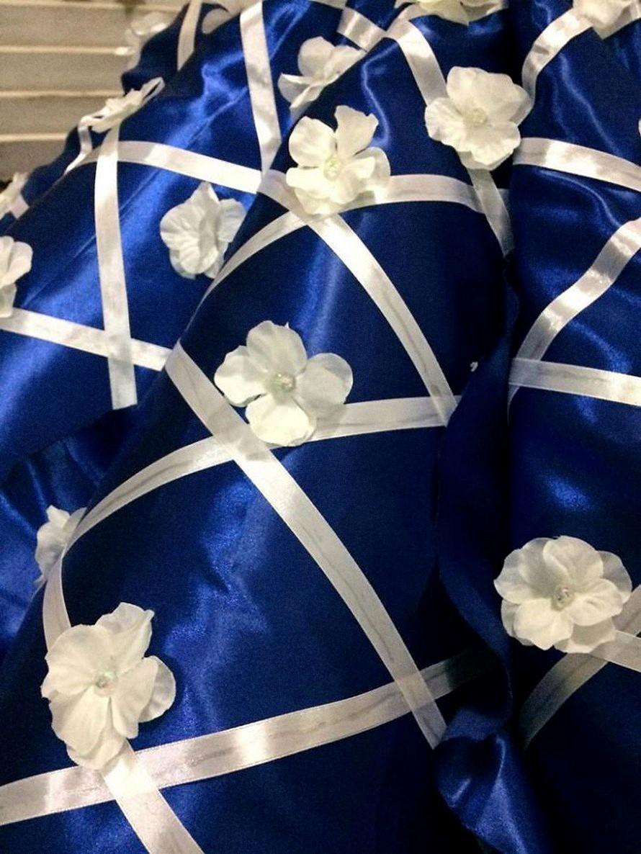 Удивительная история братской любви: парень сшил выпускное платье сестре, узнав, что их родители не могут себе это позволить