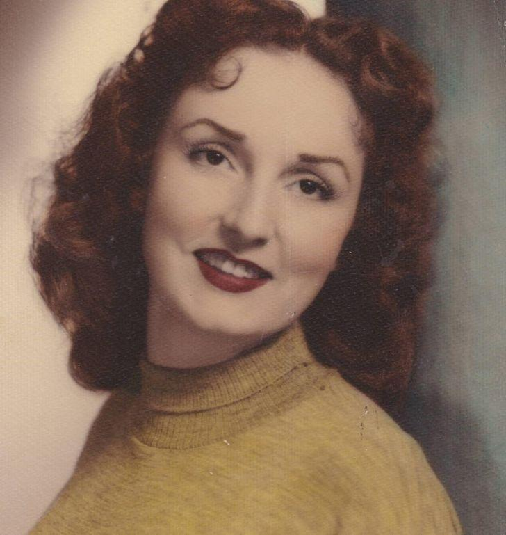 15 семейных фото, на которых наши бабушки выглядят как голливудские старлетки