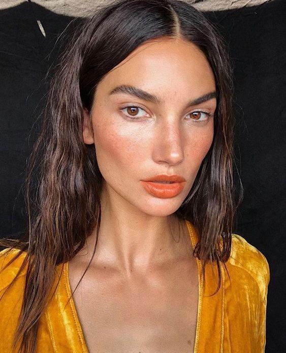 Эффект влажной кожи