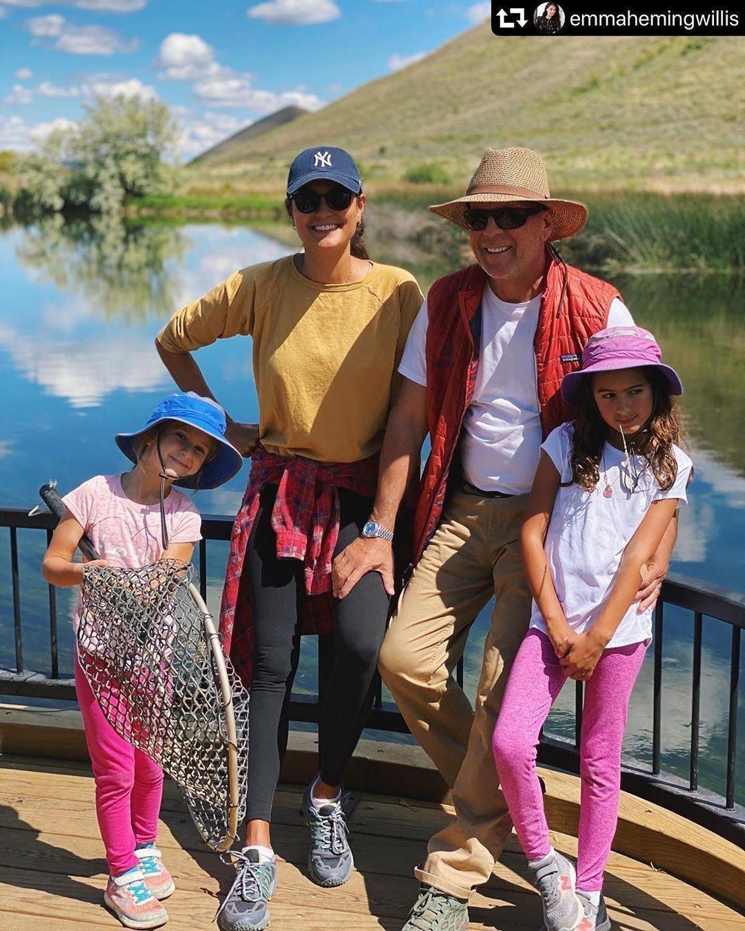 Брюс Уиллис с семьёй 2