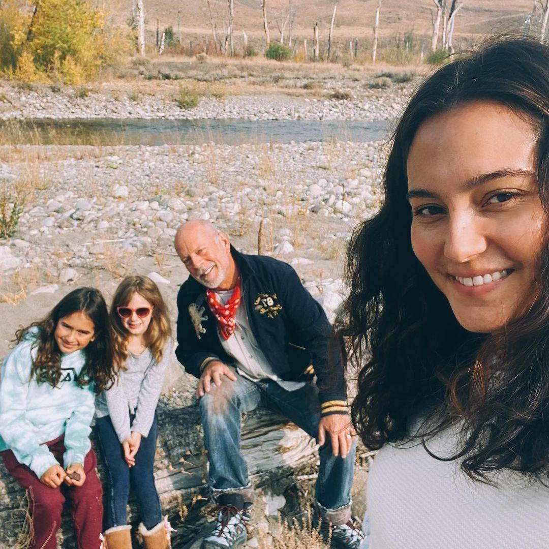 Брюс Уиллис с семьёй