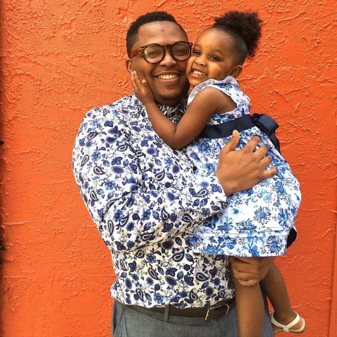 Папа из Филадельфии нашёл отличный способ сблизиться со своей дочерью – он сшил для неё 200 нарядов