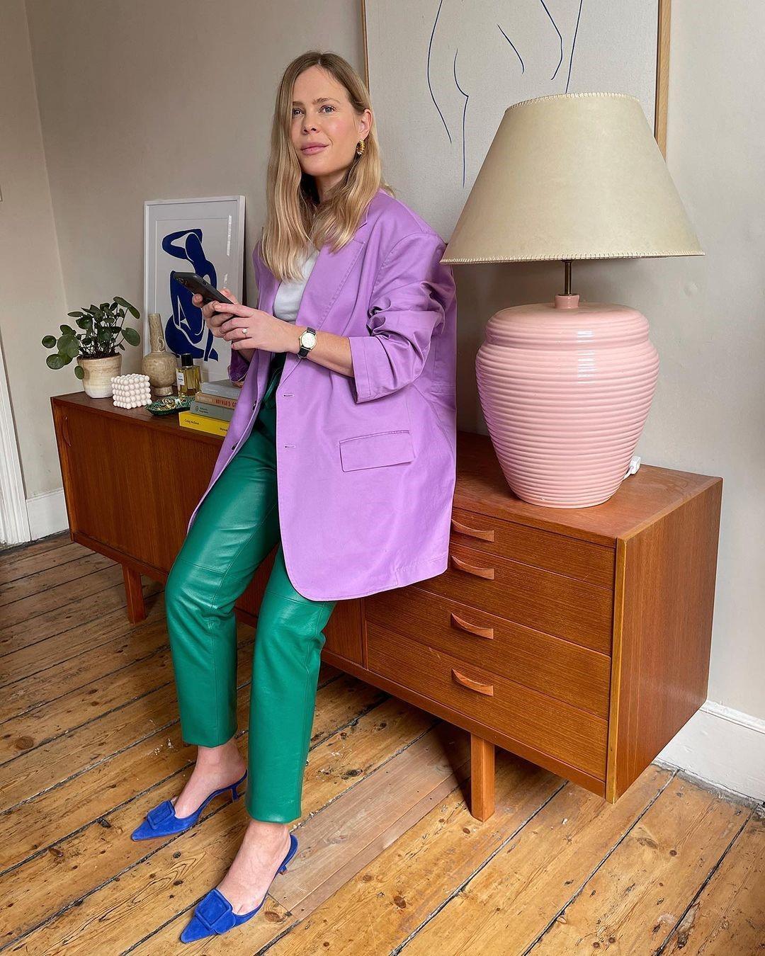 Пиджак и брюки из экокожи