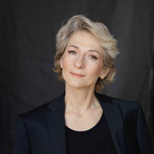 Елена Толкач — тренер по дыхательной гимнастике, автор книг, коуч, эксперт журнала COLADY