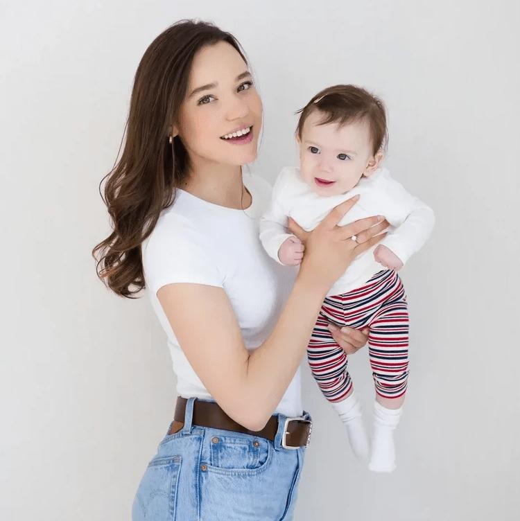 «Счастье – проживать свою жизнь, а не чужую»: Кристина Озтюрк о том, как в 23 года растить 21 ребёнка и быть счастливой с иностранцем