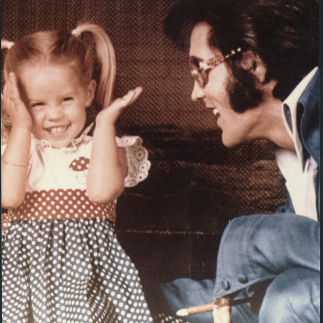 Лиза Мари со своим отцом