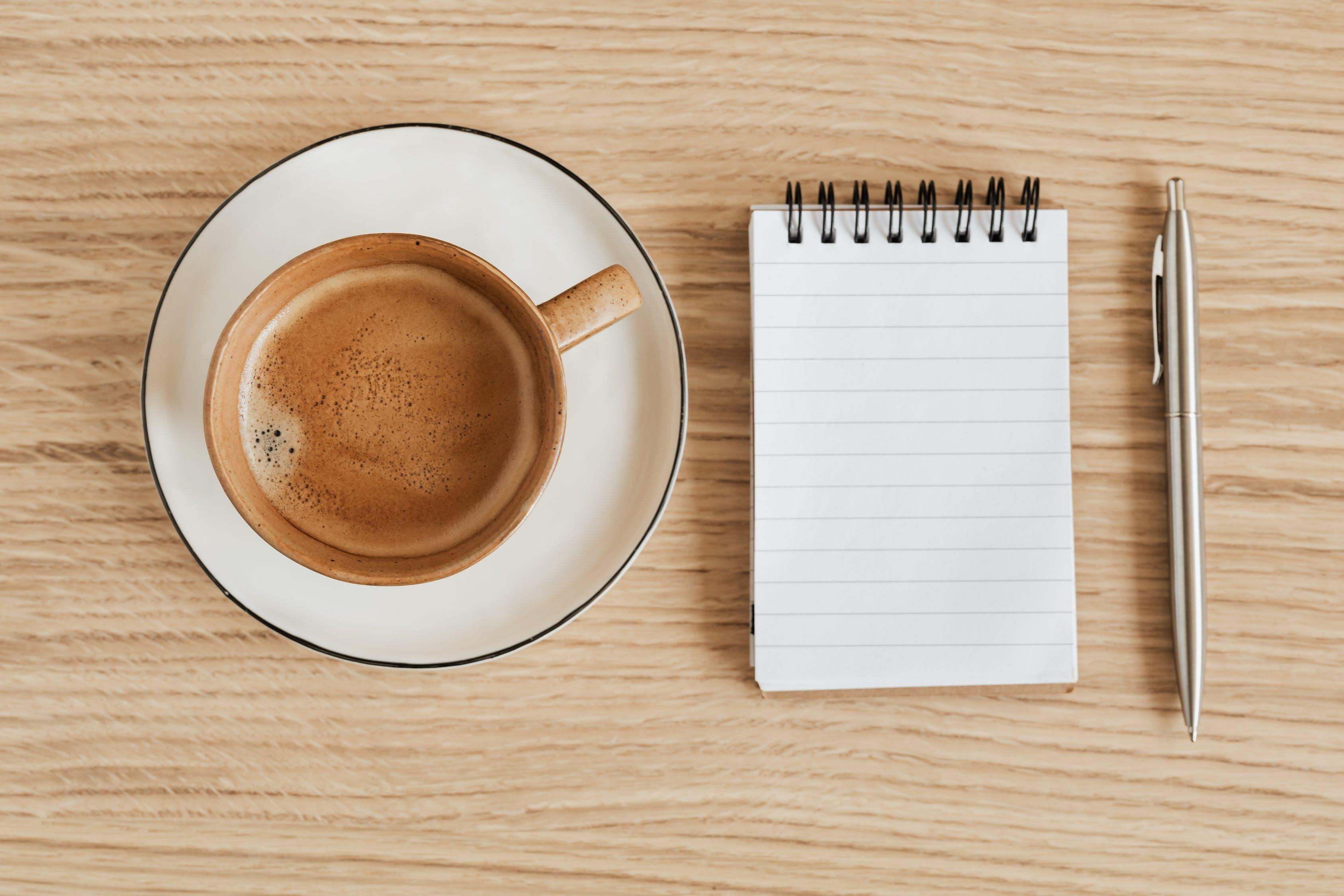 кофе и блокнот