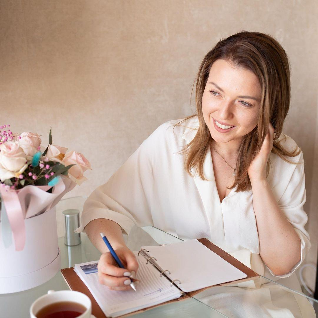 Юлия Никас — психолог, автор курсов, эксперт журнала COLADY