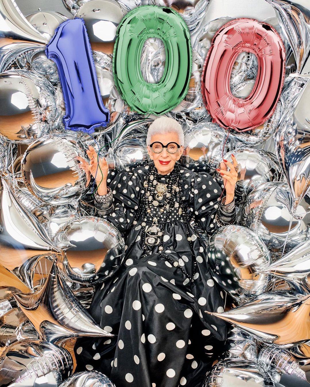 «Я просто самый старый подросток в мире»: интервью со 100-летней иконой стиля Айрис Апфель о планах на будущее