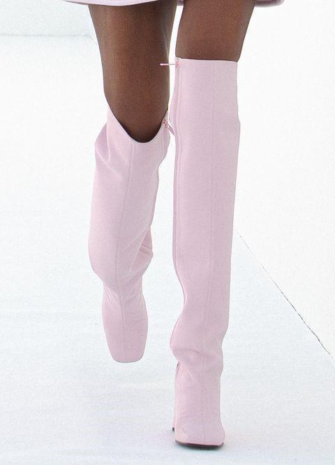 Лавандовый цвет обуви