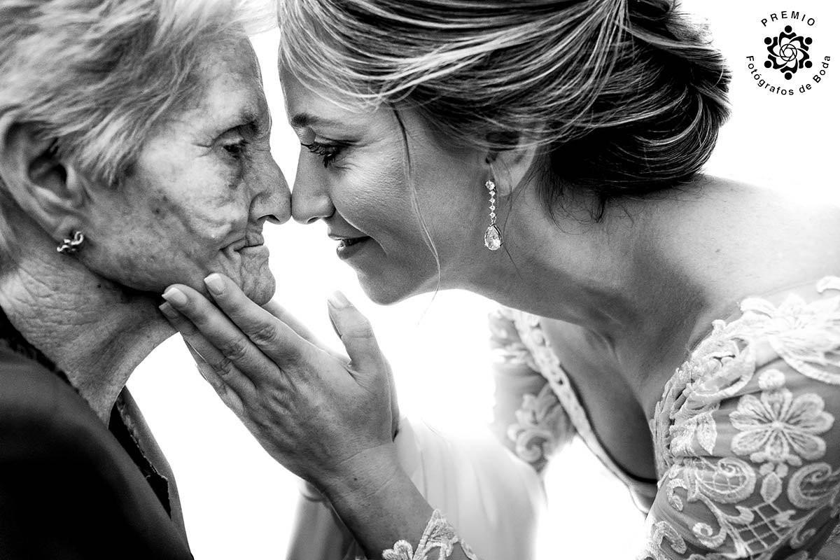 Слёзы радости: 20 душевных свадебных фотографий, которые показывают искренние эмоции людей