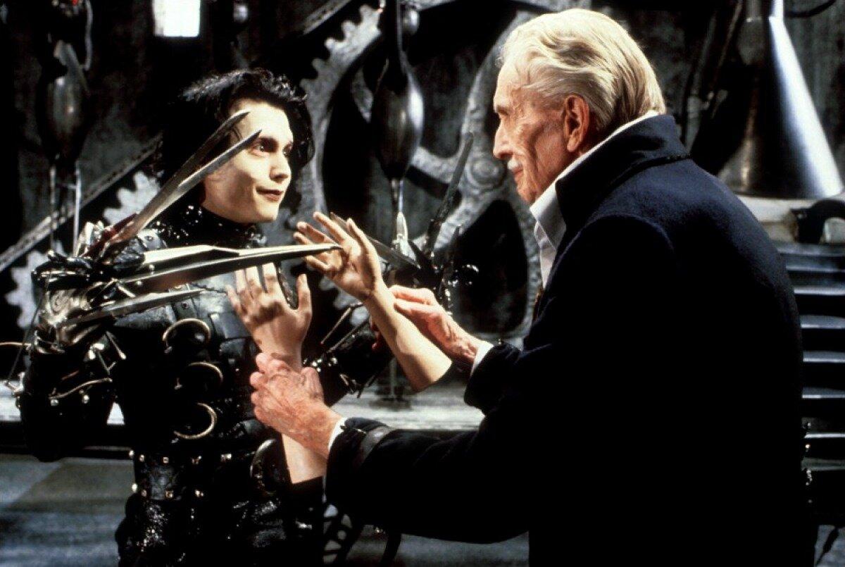 Поклонники фильма «Эдвард руки-ножницы» создали по его мотивам музей — «Страна ножниц»